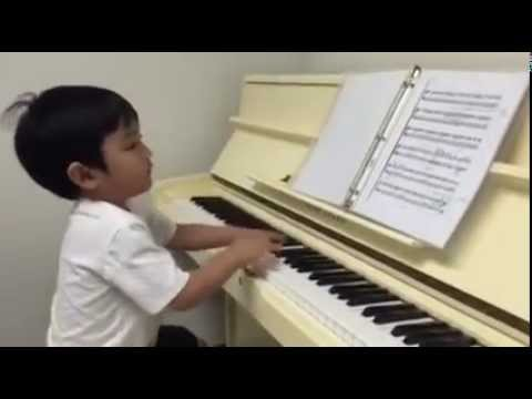 Child Prodigy Evan Le Plays Danzas Argentinas