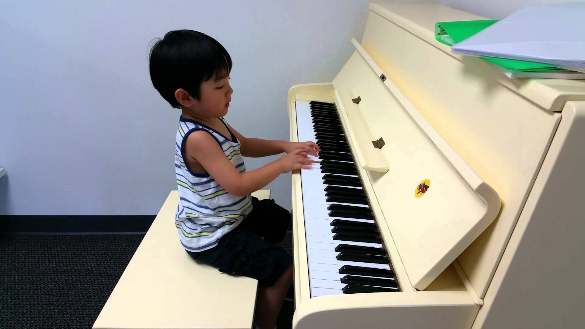 Child Prodigy Evan Le Plays Toccata et Fuga