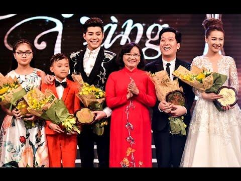 Hồ Văn Cường lúng túng khi nhận giải Mai Vàng – Tin tức trong ngày