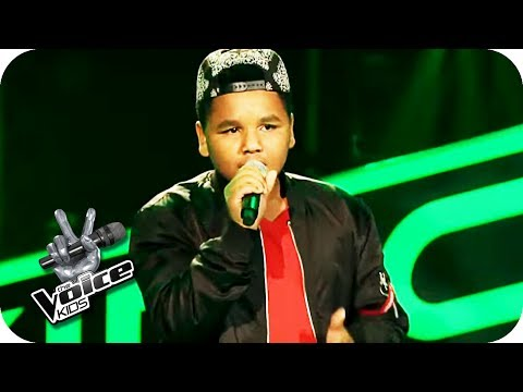 The Temptations – Papa was a Rolling Stone (Julien) | The Voice Kids 2017 | Blind Auditions | SAT.1