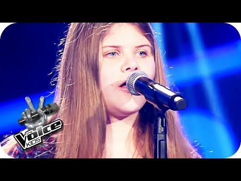 Gabrielle Aplin – Salvation (Leonie) | The Voice Kids 2017 | Blind Auditions | SAT.1