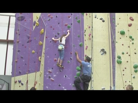 Little Big Shots: Avid climber, 10, bests Matt Barnes in friendly competiton