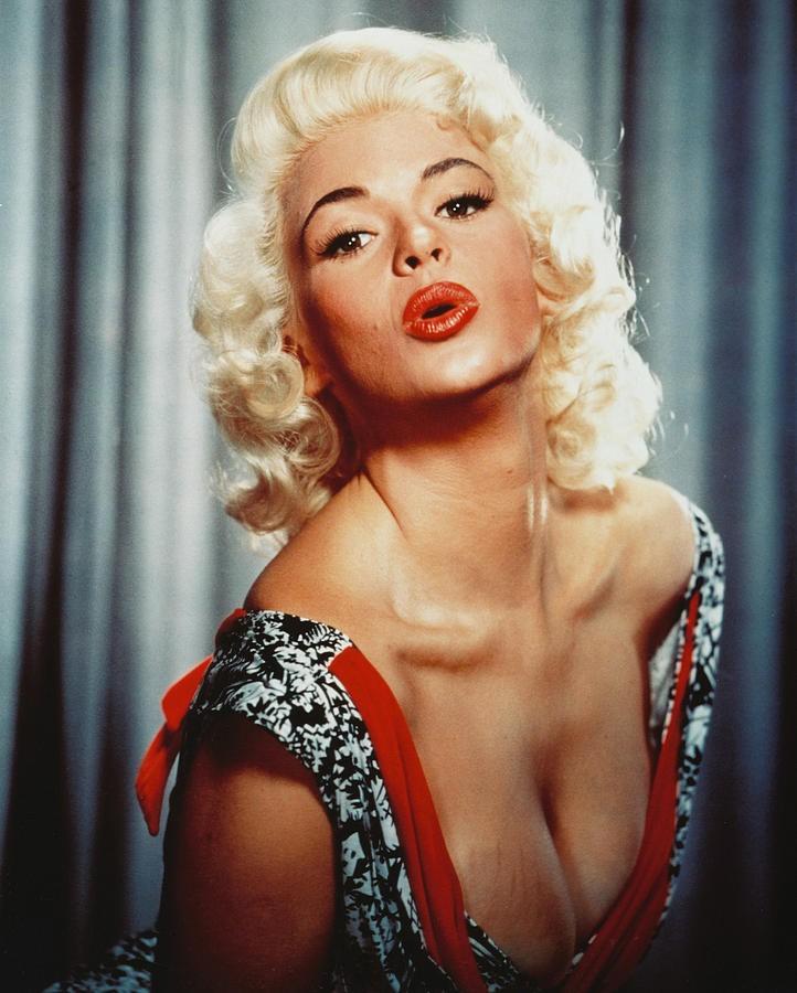 12 quả bom tóc vàng làm chao đảo màn ảnh Hollywood 80 năm về trước (Phần 1) - Ảnh 11.