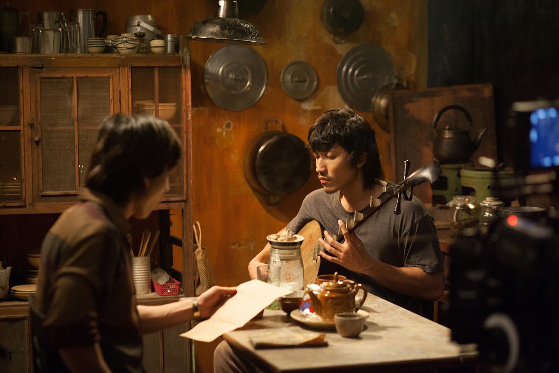 Clip Song Lang: Isaac và Liên Bỉnh Phát liếc mắt đưa tình, kẻ đàn người xướng đốn tim hủ nữ - Ảnh 4.