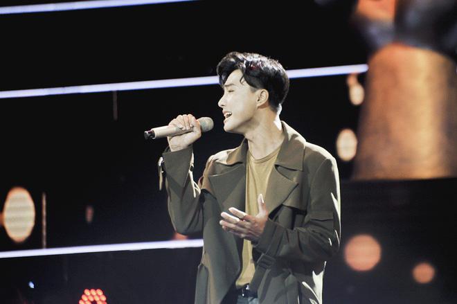 Giọng hát Việt: Hot boy Samuel An đi tiếp dù bị hạn chế trong cách phát âm tiếng Việt - Ảnh 8.