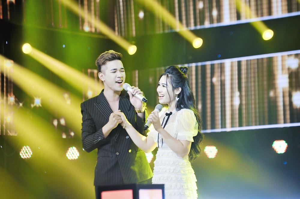 Giọng hát Việt: Hot boy Samuel An đi tiếp dù bị hạn chế trong cách phát âm tiếng Việt - Ảnh 11.