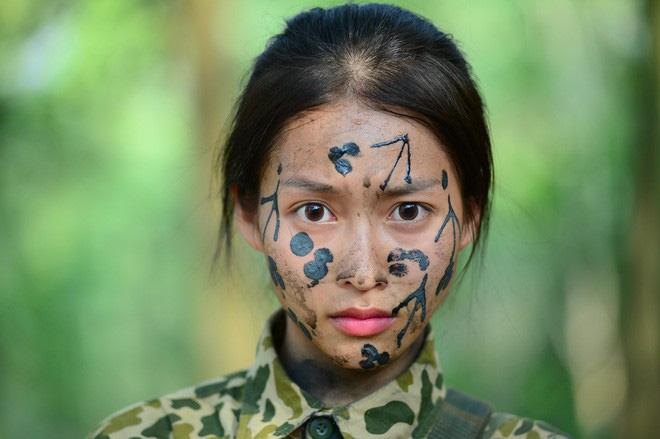 Khả Ngân là nữ chính Hậu Duệ Mặt Trời bản Việt chứ không phải Nhã Phương