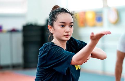 Kaity Nguyễn mướt mồ hôi luyện tập kungfu cho phim mới - ảnh 2