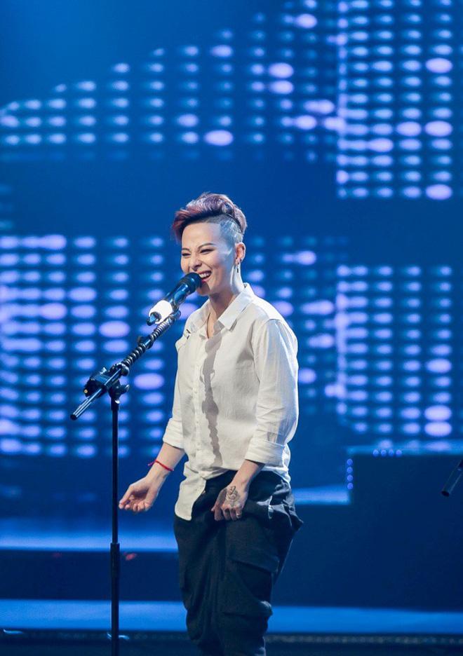 The Debut: Trish Lương dừng chân sau phần thi bị đánh giá thể hiện quá nhiều, giọng hát không mới mẻ - Ảnh 4.