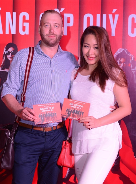 Hoa hậu Ngô Phương Lan hạnh phúc bên chồng Tây - ảnh 1
