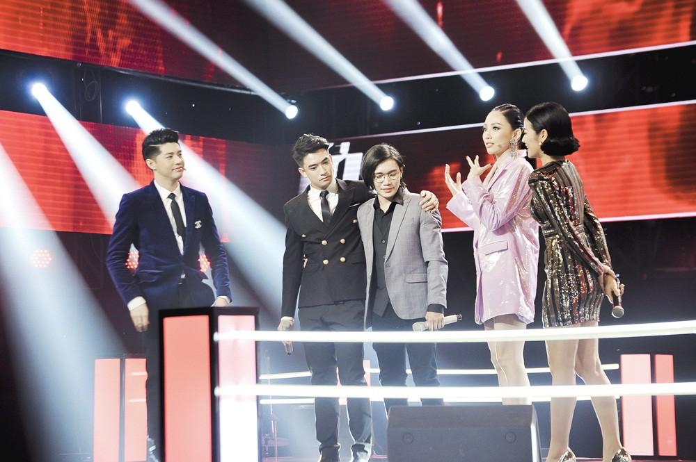 Giọng hát Việt: Hot boy Samuel An đi tiếp dù bị hạn chế trong cách phát âm tiếng Việt - Ảnh 2.