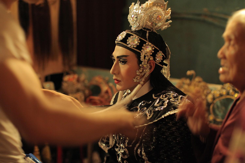 Clip Song Lang: Isaac và Liên Bỉnh Phát liếc mắt đưa tình, kẻ đàn người xướng đốn tim hủ nữ - Ảnh 2.