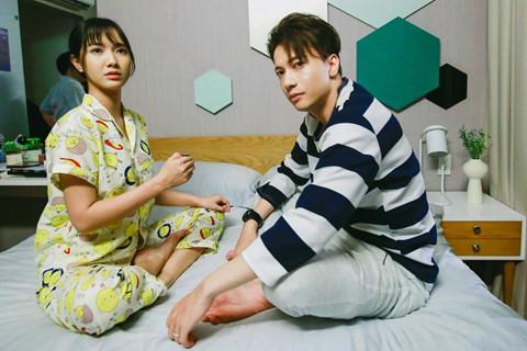 Jang Mi hốt hoảng vì bị S.T nhìn trộm khi đang tắm trong 'Tìm vợ cho bà' - ảnh 1