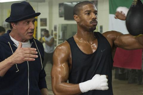 Michael B. Jordan khoe 6 múi cơ săn chắc trong trailer Creed 21