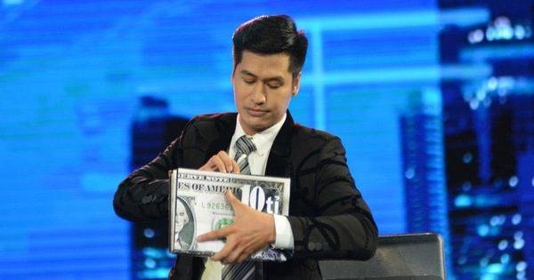 Giám khảo mê mẩn chàng thí sinh điển trai biết biến ra 10 tỉ đồng – Tivi Show