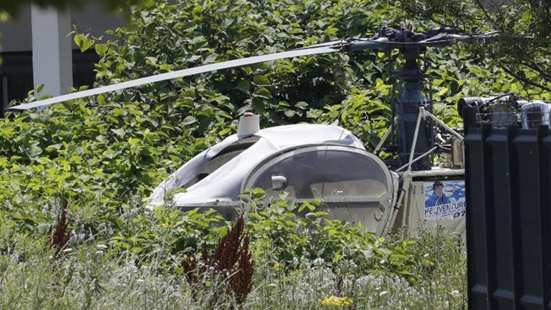 Tù nhân Pháp bắt chước phim Hollywood vượt ngục lần hai trót lọt nhờ đu trực thăng - Ảnh 1.
