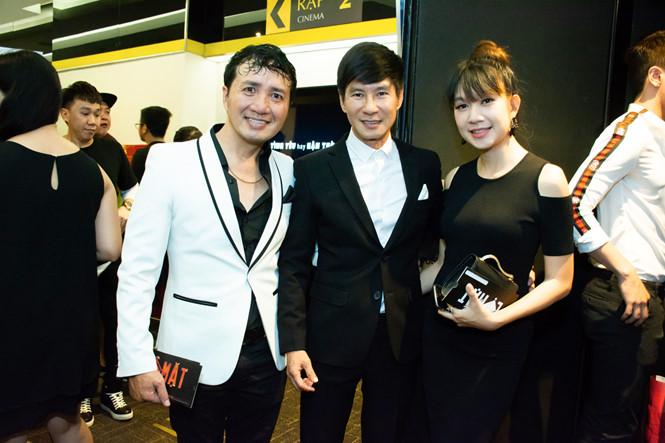 Vợ chồng Lý Hải - Minh Hà tình tứ đến chúc mừng đoàn phim 'Lộ mặt' - ảnh 1